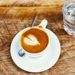 Jakou vodu pít ke kávě a proč?